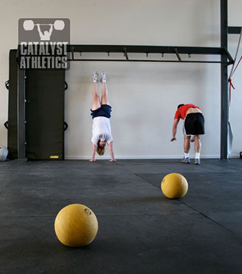Hand stand push up - Olympic Weightlifting, strength, conditioning, fitness, nutrition - Catalyst Athletics